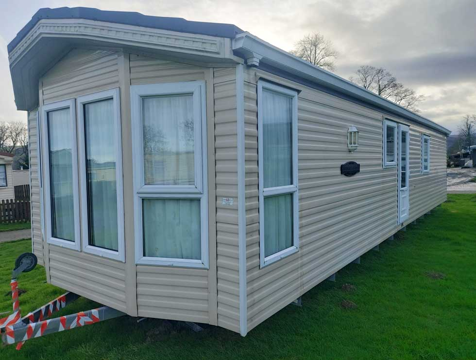 Willerby Winchester - 40ft x 13ft - 2 bedrooms - £22,000 static caravan for sale Hendwr, North Wales